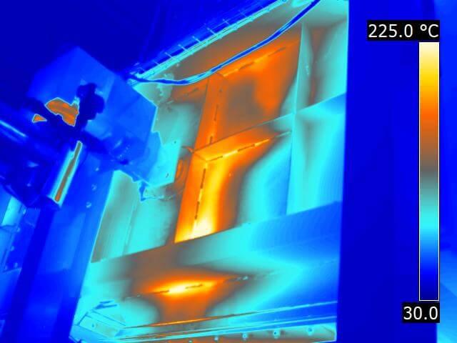 Gehäuse eines Wärmetauschers; Messaufgabe: Auffinden von Hitze- Nestern durch unzureichende bzw. durchgebrannte Isolation